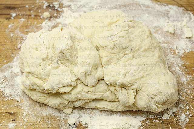 замешиваем тесто для хлеба без дрожжей
