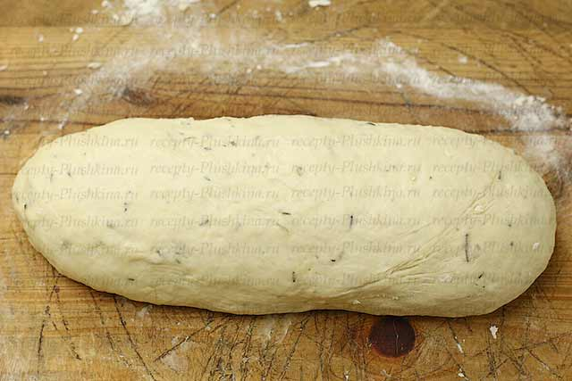 придаем форму бездрожжевому хлебу