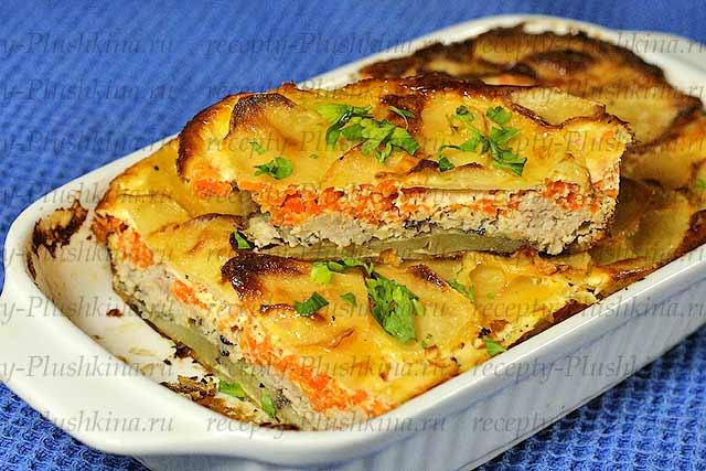 Картофельная запеканка с фаршем и овощами в духовке