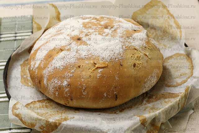 домашний луковый хлеб готов