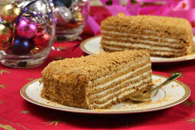 Пошаговый рецепт торта медовик со сметанным кремом