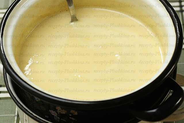 тесто для медового торта на водяной бане