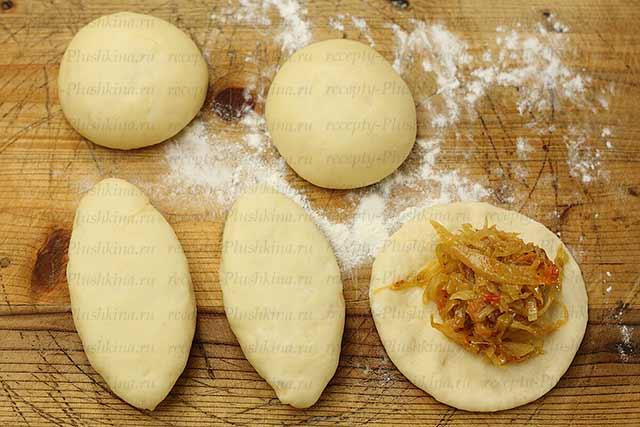 духовые пирожки с капустой