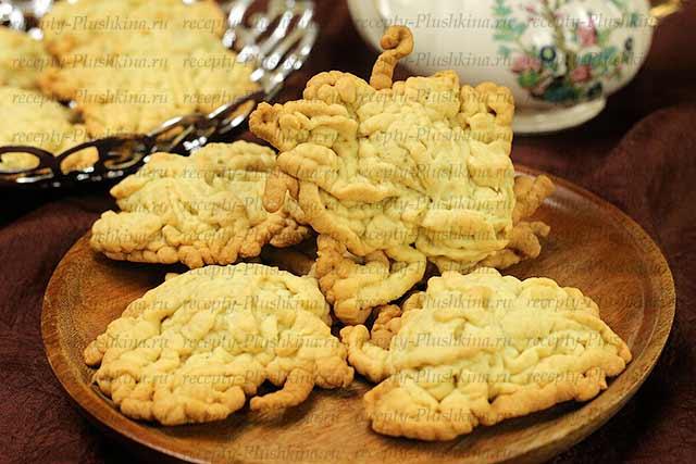 печенье Хризантемы через мясорубку