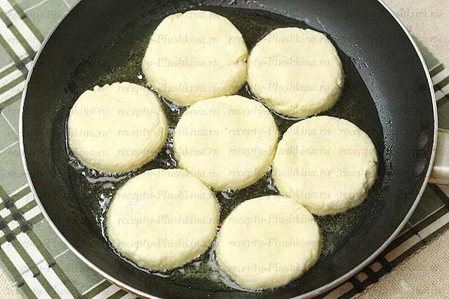 сырники классические на сковороде