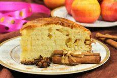 Вкусный быстрый пирог с яблоками на кефире