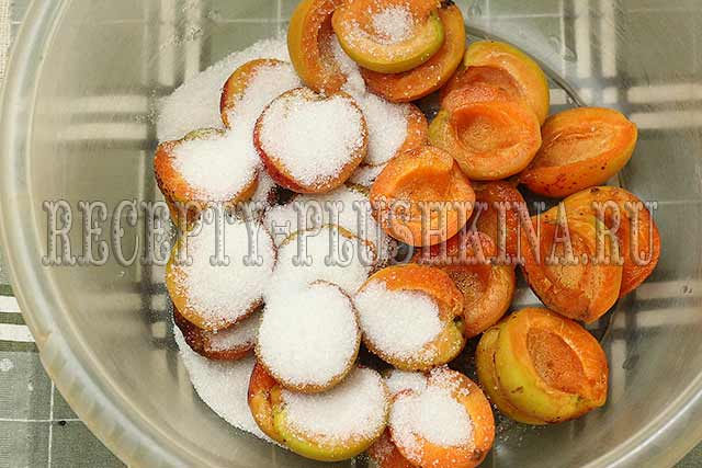 абрикосы дольками с сахаром