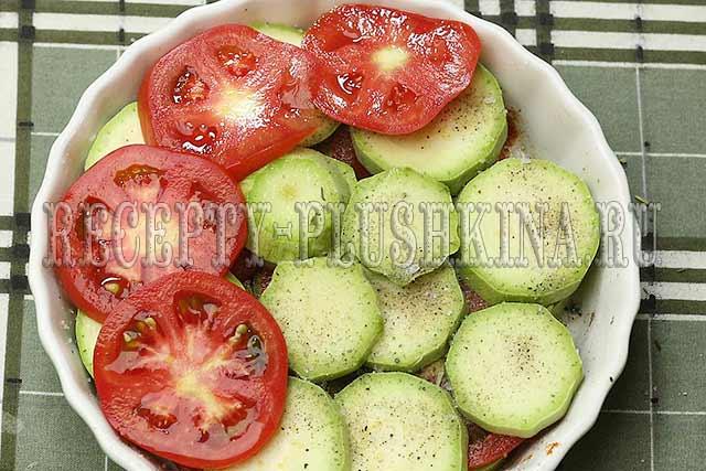 приготовление кабачков с помидорами в духовке