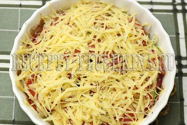 кабачки запеченные с сыром и помидорами