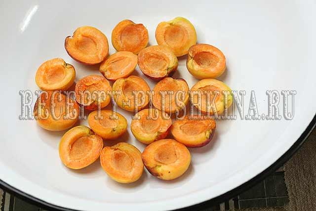 абрикосовое варенье с косточкой