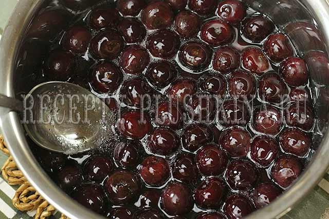 простой рецепт варенья из вишни на зиму