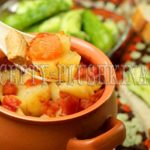 мясо в горшочках с картошкой в духовке