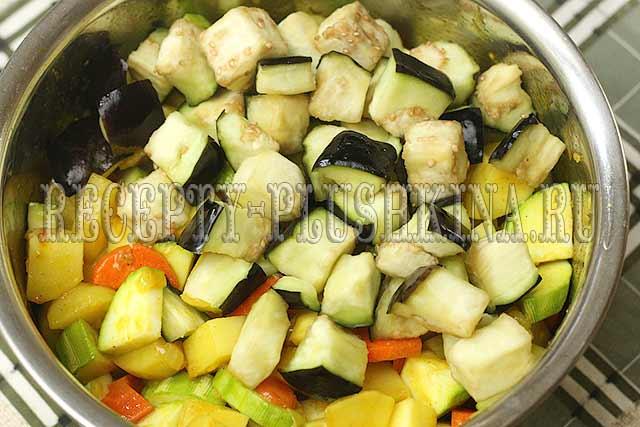 овощное рагу из кабачков, картошки и баклажанов