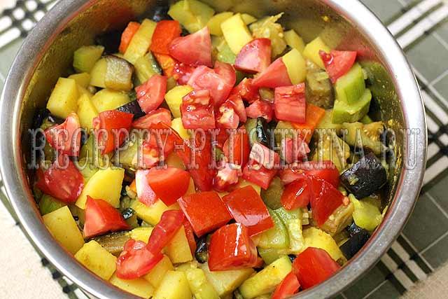 рагу из овощей с картошкой, баклажанами и кабачками