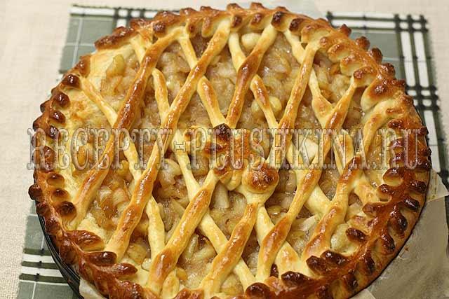 дрожжевой пирог с яблоками в духовке