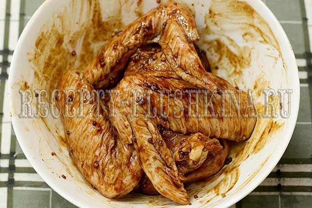 куриные крылья в маринаде из меда и горчицы