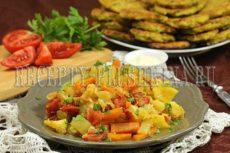Овощное рагу с кабачками, капустой и картошкой