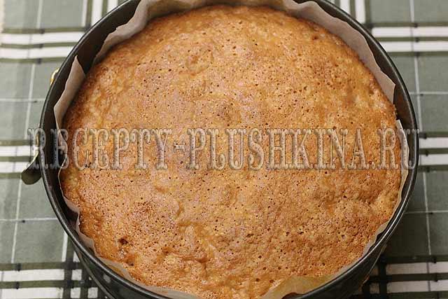 быстрый пирог с яблоками готов