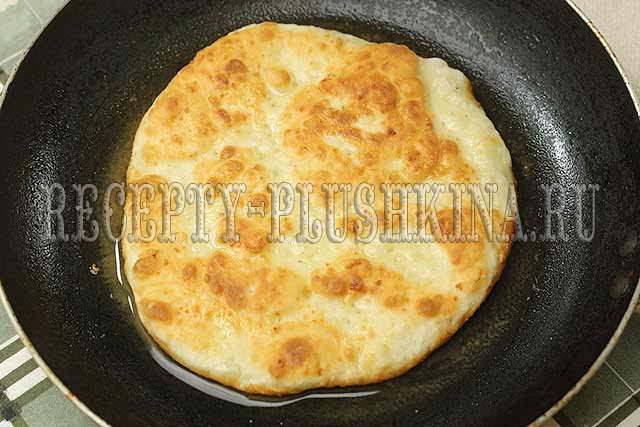лепешки с сыром на кефире жареные на сковороде