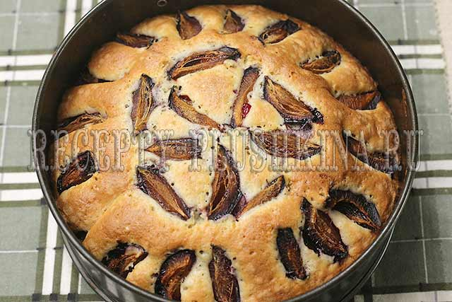 рецепт простого пирога со сливой