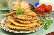 Чебуреки с мясом: очень удачное хрусткое тесто и сочная начинка