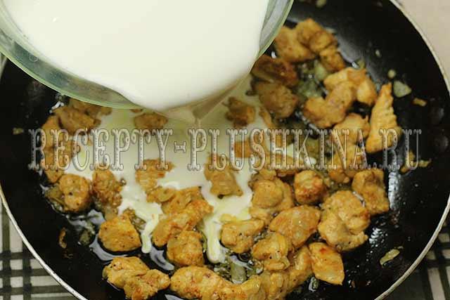 как приготовить куриное филе в сметанном соусе