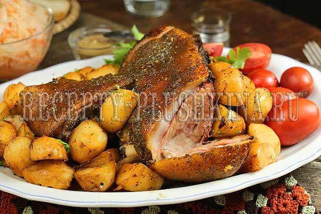 рулька свиная запеченная в духовке в фольге
