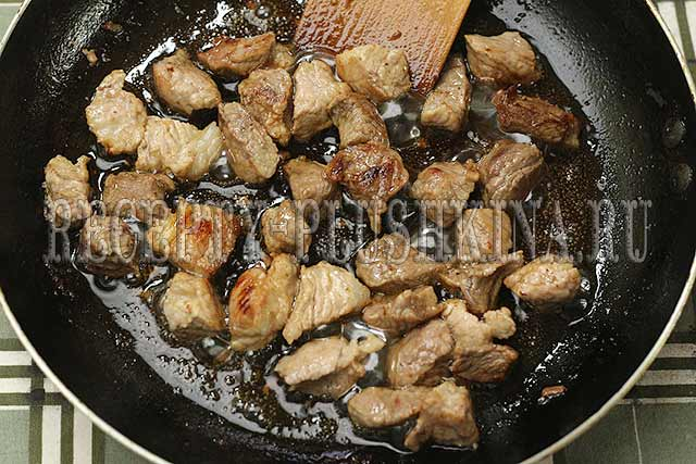 приготовление гуляша из свинины