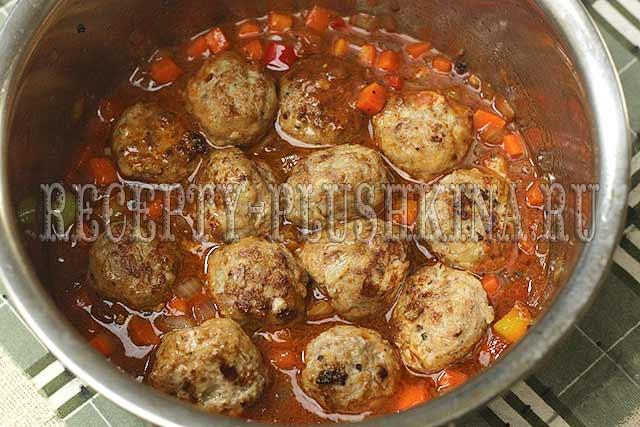 мясные фрикадельки в томатной подливке