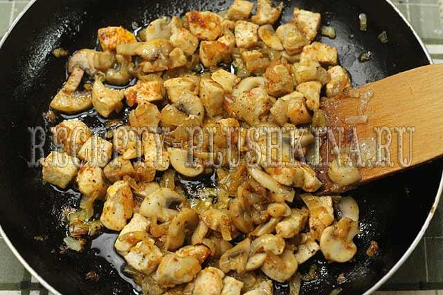 как приготовить курицу с грибами в сметане