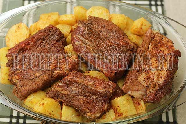 как запечь ребрышки с картошкой в духовке