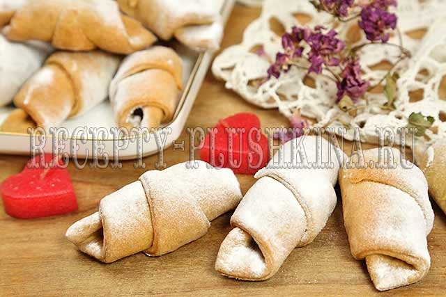 рецепт рогаликов на сметане, 2-рогалики на сметане и маргарине