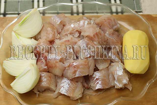 рыба, лук, картофель для котлет