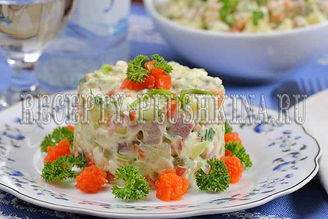 салат оливье рецепт с колбасой и свежим огурцом