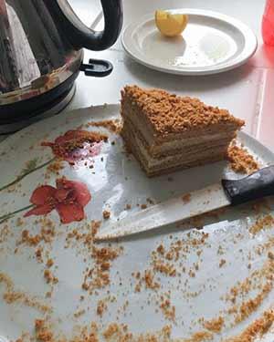 съели торт