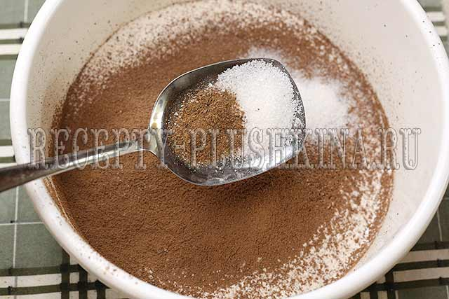 добавляем какао, ванильный сахар