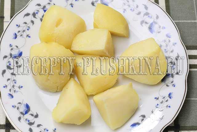 варим до готовности картофель